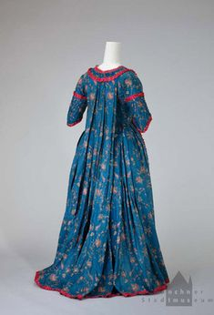 Robe a la francaise, cotton chintz, c. 18th Century Dress, 18th Century Costume, 18th Century Clothing, 18th Century Fashion, Vintage Outfits, Vintage Gowns, Vintage Mode, Vintage Fashion, Vintage Hats