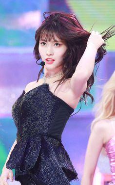#momo #twice #tzuyu #nayeon #dahyun #mina #sana #jihyo #chaeyoung #jeongyeon #나연 #트와이스 #모모 #사나 #지효 #다현 #미나 #채영 #정연 #kpop