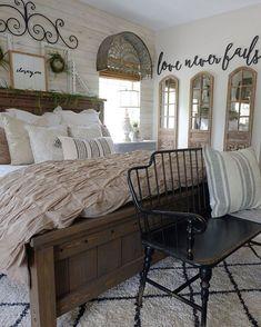 Simply Farmhouse Master Bedroom Design Ideas You're Dreaming of 28 Farmhouse Master Bedroom, Master Bedroom Design, Home Bedroom, Bedroom Ideas, Bedroom Colors, Modern Bedroom, Contemporary Bedroom, Bedroom Designs, Bedroom Inspiration