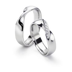 8a7fc52a86e Wedding band idea - these are just plain pretty. Ron Hoe · Möbius strip ring