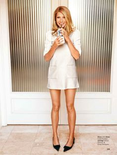 Gwyneth Paltrow - My Favorite Artist & Musician. I like her elegant chic style. She always keeps things simple but beautiful. A mother of two who balances her life with family at its core - this I admire. #SWSHAREYOURLIFE