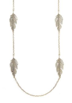 Feathers. I have a thing for feathers. This is so cute and can be worn with so many styles.   air as Feathers Necklace - Gold, Solid, Fall