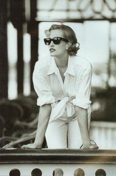 """""""Easy Pieces For The Great Escape"""", Vogue UK, April 1992 Photographer : Patrick Demarchelier Model : Tatjana Patitz"""
