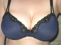 Cup runneth over? Not in this sexy but full-coverage bra. Whimsy by Lunaire Aruba Seamless Lace Trim Bra 32DDD NWT Blue Minimizes Bounce