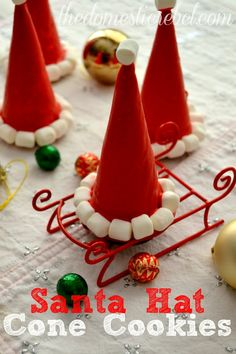 Santa Hat Cookie Cones from Nickles Valk Chuah Domestic Rebel Best Christmas Recipes, Christmas Snacks, Christmas Crafts For Kids, Christmas Goodies, Christmas Candy, Holiday Treats, Holiday Fun, Christmas Holidays, Santa Cookies