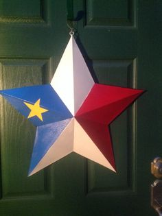 Beautiful Acadian Flag Star for my family up North. Flag Painting, Tole Painting, Painting On Wood, Star Decorations, Christmas Decorations, Homemade Crafts, Diy Crafts, Canadian Christmas, Paint Effects