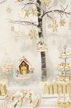 Winter Wonderland Sweets Table - by De Koekenbakkers
