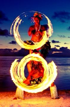 Never saw this in Hawaii when i was there. If I get to go back I'm so going to see a fire show.