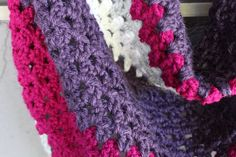 Free crochet trangle scarf pattern