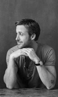 Ryan Gosling Ryan Gosling, Hot Actors, Actors & Actresses, Gorgeous Men, Beautiful People, Iconic Movies, Ryan Reynolds, Male Poses, La La Land