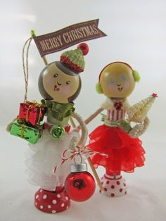 Christmas girls, clothespin dolls (K.Batsel)