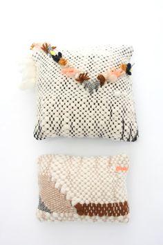 New Friends pillows / DIY inspo Art Textile, Textile Patterns, Home Textile, Diy Pillows, Cushions, Throw Pillows, Boho Pillows, Motif Navajo, Fiber Art