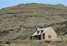 Fossil Hills McGregor Western Cape South Africa / cozy stone cottage with huge fireplace. Plenty of farm tracks for easy mountain biking
