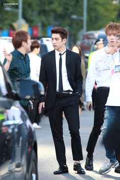 Junior ft Yugyeoms confused face xDD
