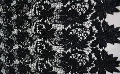 Ажур, черный, крупные листья (ширина 130 см)