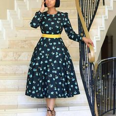 Aso Ebi Styles For Wedding Guest Thinking of what aso ebi style to wear at the next wedding? Don't pick any aso ebi style or. Ankara Styles For Women, Beautiful Ankara Styles, Ankara Gown Styles, Ankara Gowns, Sepedi Traditional Dresses, African Print Skirt, African Prints, Latest Aso Ebi Styles, Ankara Stil