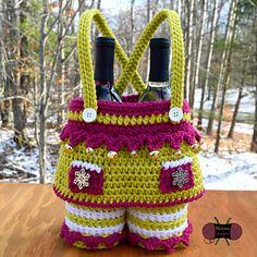 Ravelry: Elf Girl Gift Basket pattern by Sonya Blackstone Crochet Gifts, Crochet Hooks, Crochet Bags, Girl Gift Baskets, Ravelry, Christmas Crafts, Crochet Christmas, Easter Crochet, Christmas Eve