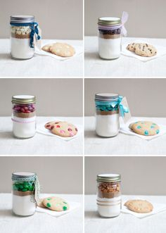 Christmas gifts for co-workers -- Mason Jar Cookie Mix Favor. so easy, so cute, and delicious cookies! Use any candy you want! Mason Jar Meals, Mason Jar Gifts, Meals In A Jar, Mason Jar Diy, Gift Jars, Food Gifts, Craft Gifts, Diy Gifts, Mason Jar Cookies