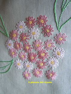 Salve Ragazze . Continua il caldo , molto caldo, come vi ho già detto ho sospeso i fondini ( momentaneamente) oggi un ricamo leggero , ad... Embroidery Neck Designs, Hand Embroidery Videos, Hand Embroidery Flowers, Bead Embroidery Patterns, Creative Embroidery, Simple Embroidery, Hand Embroidery Stitches, Embroidery Hoop Art, Ribbon Embroidery