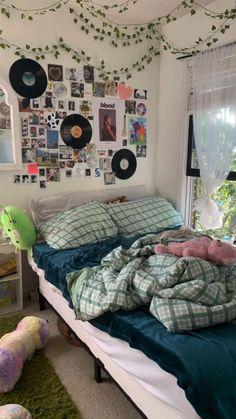 Room Design Bedroom, Room Ideas Bedroom, Bedroom Decor, Bedroom Inspo, Arty Bedroom, Chill Room, Cozy Room, Pinterest Room Decor, Indie Room Decor