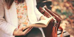A leitura é fundamental na vida de uma pessoa, pois é a chave libertadora para o conhecimento. Quem tem o hábito da leitura tem também uma qualidade de vida muito melhor, isso porque é capaz de aprender as mais variadas ciências, incentivando assim o desenvolvimento do intelecto e a estruturação das emoções