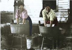 Two women washing clothes - Australia, early Century Clothes Line, Washing Clothes, Off The Charts, Jack And Jill, Photographs Of People, Family Memories, Women In History, Just Giving, Predator