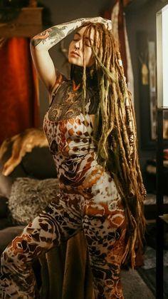 who is this she's killin me 😭🤧🤧💕 Tattoo Girls, Girl Tattoos, Female Dreads, Dreadlocks Girl, Beautiful Dreadlocks, Dreadlock Hairstyles, Gothic Girls, Piercings, Sexy Tattoos