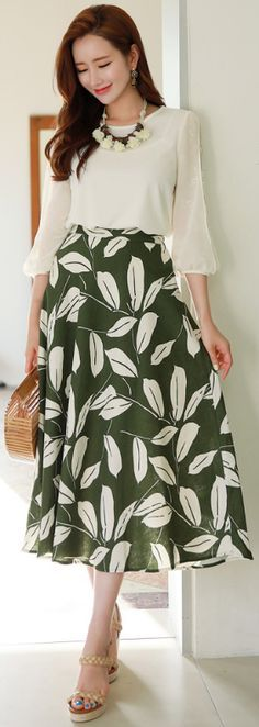 StyleOnme_Tropical Print Linen Long Skirt #green #floral #leaf #linen #skirt #koreanfashion #kstyle #kfashion #dailylook #seoul #summer #spring