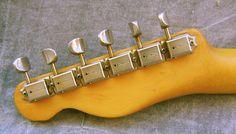 Saiba como identificar uma Fender falsa. Como saber se fui enrolado.Fender falsa Como todos sabem não é de hoje que existem falsificações, como vimos no post passado. Sempre existe um espertinho afim de dar aquela...
