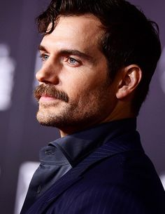 Celebrities - Henry Cavill Photos collection You can visit our site to see other photos. Henry Cavill Justice League, French Words Quotes, Henry Caville, Growing Facial Hair, Celebrity Siblings, Actors Male, John Legend, Black And White Portraits, Famous Men