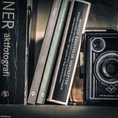 Vintage camera books love Cartier, Portrait, Books, Photography, Vintage, Livros, Men Portrait, Portrait Illustration, Livres