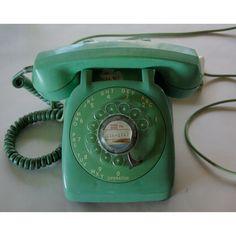 I LOVE rotary phones