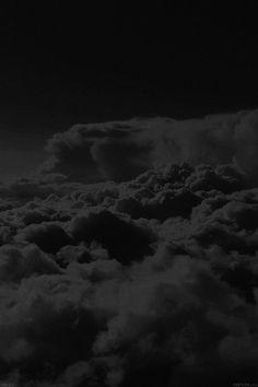 FreeiOS7   mb83-wallpaper-16-i-cloud-level-sky-dark   freeios7.com