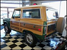 W162 1974 Ford Bronco Woody 302 CI, Automatic Photo 2