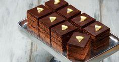 Rahkaisat suklaaleivokset Brownies, Recipies, Food And Drink, Baking, Easy, Desserts, Foods, Kitchen, Dog