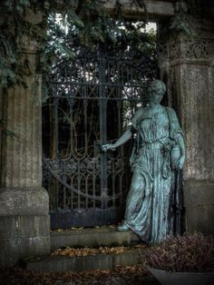 Lovely statue and gate in Unterbarmer Cemetery Wuppertal, Germany, called Gate to Eternity (not verified) Cemetery Angels, Cemetery Statues, Cemetery Art, Cemetery Monuments, Statue Ange, Old Cemeteries, Graveyards, Midnight Garden, Oeuvre D'art