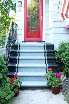 Patio Stairs, Concrete Stairs, Outdoor Stairs, Exterior Stairs, Small Outdoor Patios, Cement Patio, Painting Concrete, Diy Patio, Patio Ideas