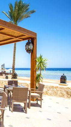 Makadi Spa ⭐️⭐️⭐️⭐⭐ DELUXE Makadi Bay - Ein Ort mit Flair und viel Atmosphäre Restaurant mit Meerblick | Kulinarische Vielfalt | Traumurlaub | Hotel Tipp am Roten Meer | Beach Bars | Privater Sandstrand | Vorgelagertes Korallenriff  Die Strandpromenade in der Makadi Bay, ist von den luxuriösen RED SEA HOTELS geprägt. #urlaub #makadibay #rotesmeer #strand #meer #hoteltipp #restaurant #meerblick