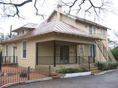 #Apartmentforrent in historic #MonteVista neighborhood. Located above an office, this unit has wood floors, central air, living room, study, large master bedroom, and a kitchen w/ breakfast nook. Parking on site for 2 cars. Approximately 750 sq ft. Close to Trinity University, #SanAntonioCollege and #downtownSanAntonio.  2130 McCullough #2, 78212 | $925/month.  www.CentroProperties.net