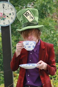 MaD HaTTeR- Easter Tea Party!