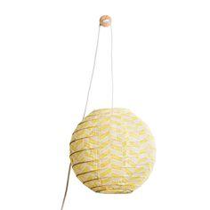 Une baladeuse applique en tissu imprimé jaune pour lampe de chevet ou applique : la lanterne Hugo Kyris grise Paris au mois d'août est réalisée en coton fin imprimé main.