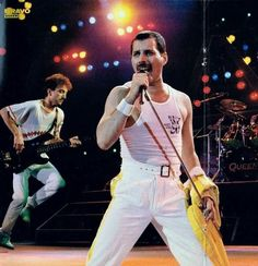 Freddie Mercury / John Deacon / Queen