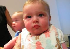 Feeding Baby Solid Foods: To Wait or Not to Wait? #solids #baby