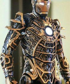 Iron Man hot toys collectible figurine