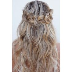 15 Christmas Hairstyles for Wavy Hair | LoveHairStyles.com ❤ liked on Polyvore featuring beauty products, haircare and hair styling tools