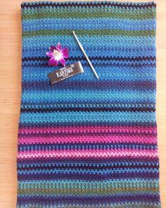 I'm finally up to date with my temperatureblanket! Still loving it! #temperaturfilt #temperatureblanket #babyblanket #karisma #colors #crochet #färg #virkning #virka #linenstitch #linenstitchblanket #hanakapanka