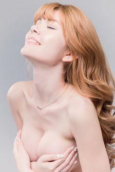 【廣編特輯】現年20歲的台巴混血美女陳怡伶Kimberlly,因五官深邃有〝小昆凌〞稱號