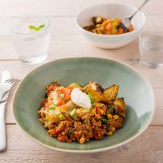 Loaded Mexican Kumara wedges with Pork and Sour Cream Edam Cheese, Pork Mince, Mince Recipes, Gluten Free Dinner, Dinner Options, Tomato Sauce, Fried Rice, I Foods, Sour Cream