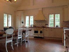 Sisustus - keittiö - ruokailutila - rustiikkinen perinteinen