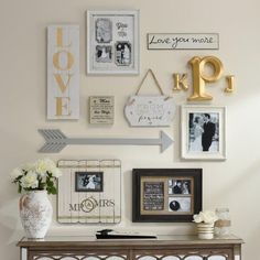 Put a little love into your gallery wall. This wall showcases a marriage of two. - WOHNEN & DEKO - Pictures on Wall ideas Hall Deco, Home Decor Trends, Diy Home Decor, Decor Ideas, Wall Ideas, Mirror Ideas, Inspiration Wand, Design Inspiration, Living Room Decor